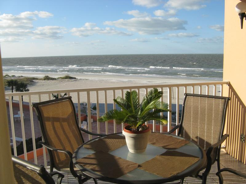 BALCONY WITH A GREAT VIEW OF THE BEACH/GULF - BEACHFRONT CONDO, CLEAN AND UPDATED - Indian Shores - rentals