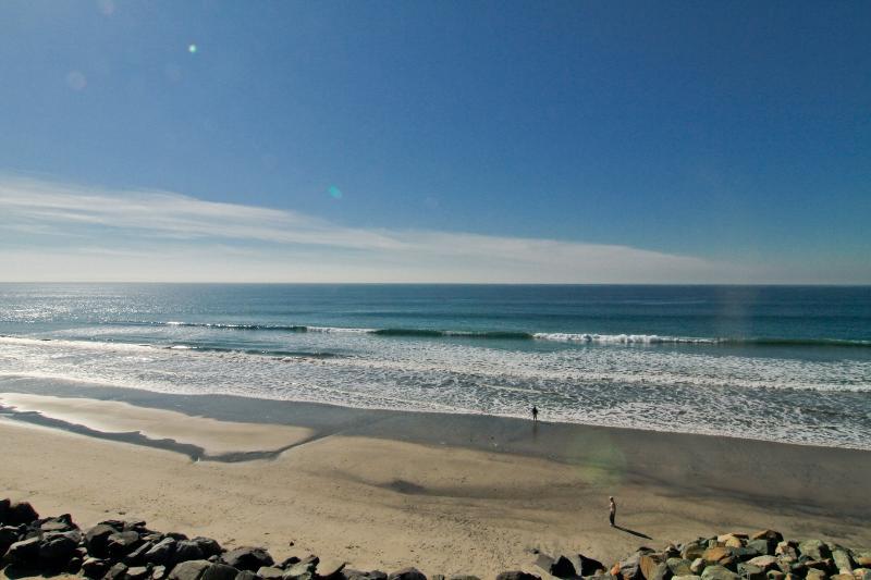 Spectacular, 7 Bedroom Beachfront Villa - P518-1 - Image 1 - Oceanside - rentals