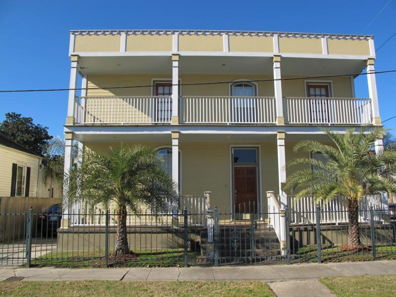 Front view of property - New Orleans Garden District Upscale Home - New Orleans - rentals