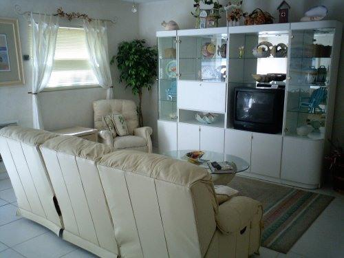 "Livingroom Of  1/bedroom Apartment - Apartment/Condo Near Beach ""Beautiful"" Clean! - Naples - rentals"