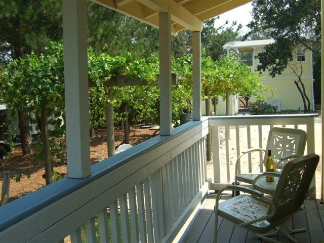 The Garden Suite front porch - Wine Country Romantic Getaway  5 cottages Hot tubs - Windsor - rentals