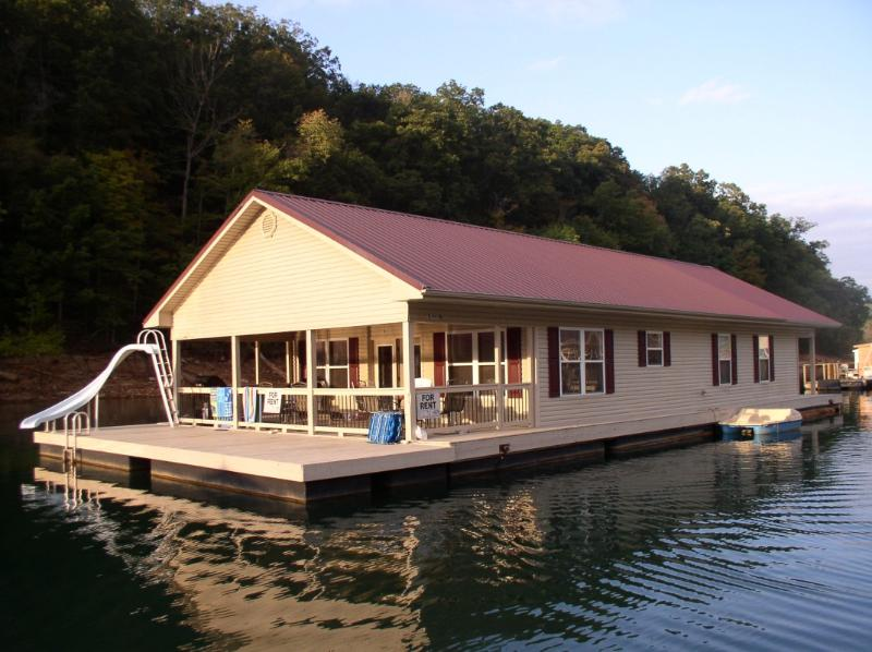 3 bedroom floating house - Norris Lake Floating Home Vacation Rental - La Follette - rentals