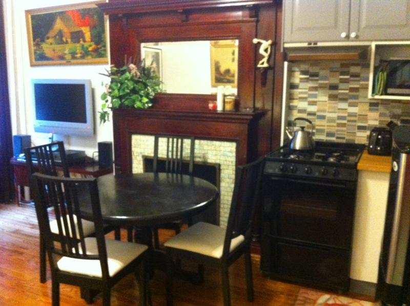 dining area, tv, stove - upper west side fully furnished one bedroom apt - Manhattan - rentals