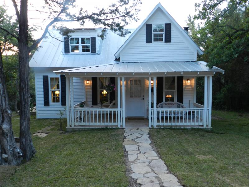 Fall Creek Cottage - The Granbury Cabins:  Fall Creek Cottage - Granbury - rentals
