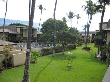 Lanai Overlooking Grounds and Pool - Kihei Vacation Condo - The Maui Garden House - Kihei - rentals