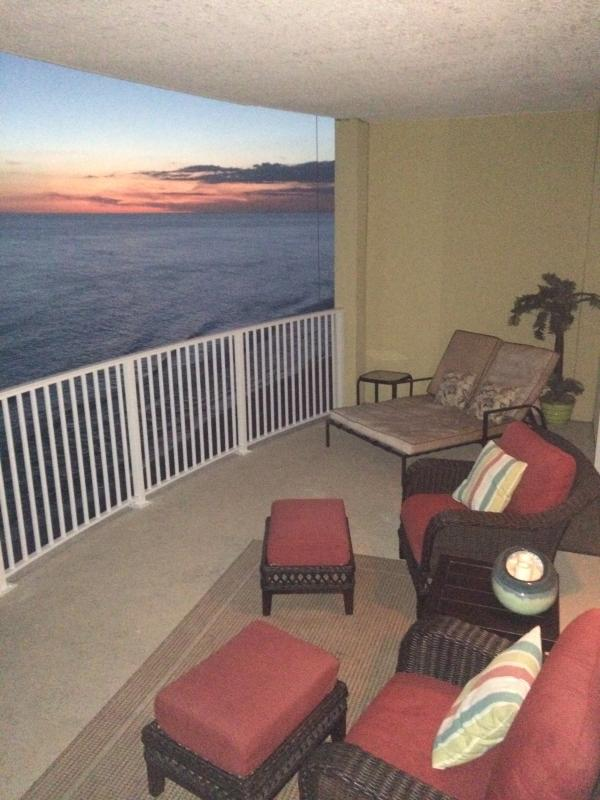 Over sized balcony with sitting area and double lounger - EMERALD ISLE ...DISCOUNTED RATES AVAILABLE - Laguna Beach - rentals