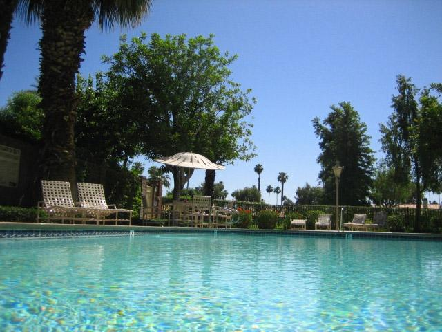 Sparkling pool and Jacuzzi - Beautiful 3 bedroom available on golfcourse at MCC - Palm Desert - rentals