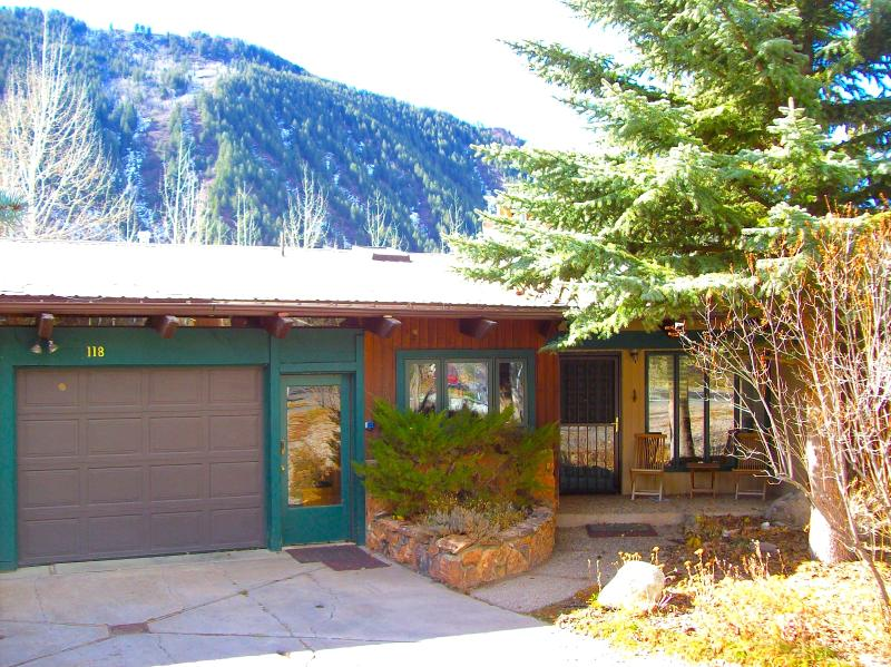 118 East Lupine Drive Entrance - Mountain Elegance in Aspen - Aspen - rentals