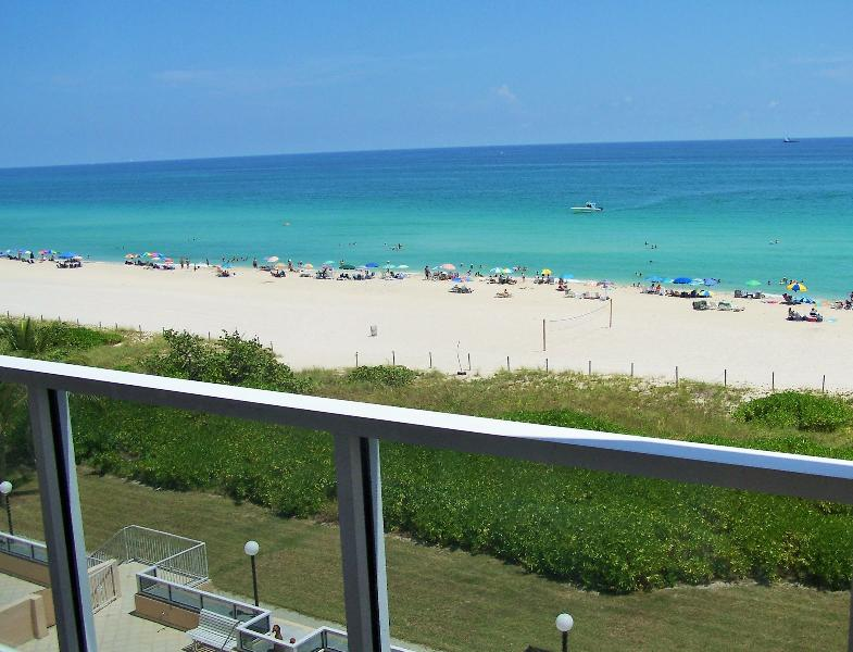 Spectacular oceanfront view from balcony. - Spectacular Luxury Condo with Panoramic Ocean View - Miami - rentals