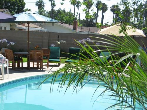 Anaheim tropical paradise with pool,spa, playroom - Image 1 - Anaheim - rentals