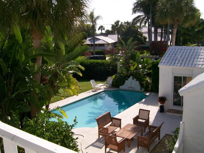 pool view - Walk to beach & St Armand's Circle !!! - Sarasota - rentals