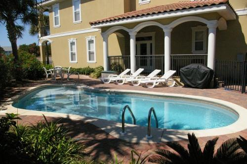 Private heated pool with shallow kiddie pool area that is only 16 inches deep! - Luxury Beach Home - 3Kings/Pool/KiddiePool/View! - Miramar Beach - rentals