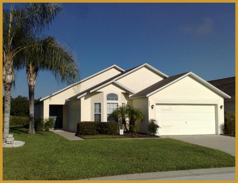 Swaying palm trees welcome you to the villa - 12min to Disney, South Facing Pool - Davenport - rentals