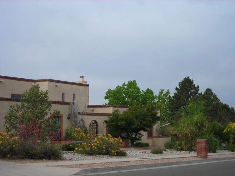 Quiet luxurious retreat in beautiful Albuquerque - Image 1 - Albuquerque - rentals