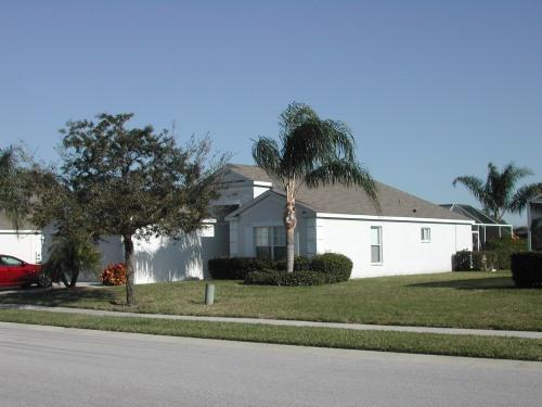 Front View - Lovely lakefront pool villa - Bradenton - rentals