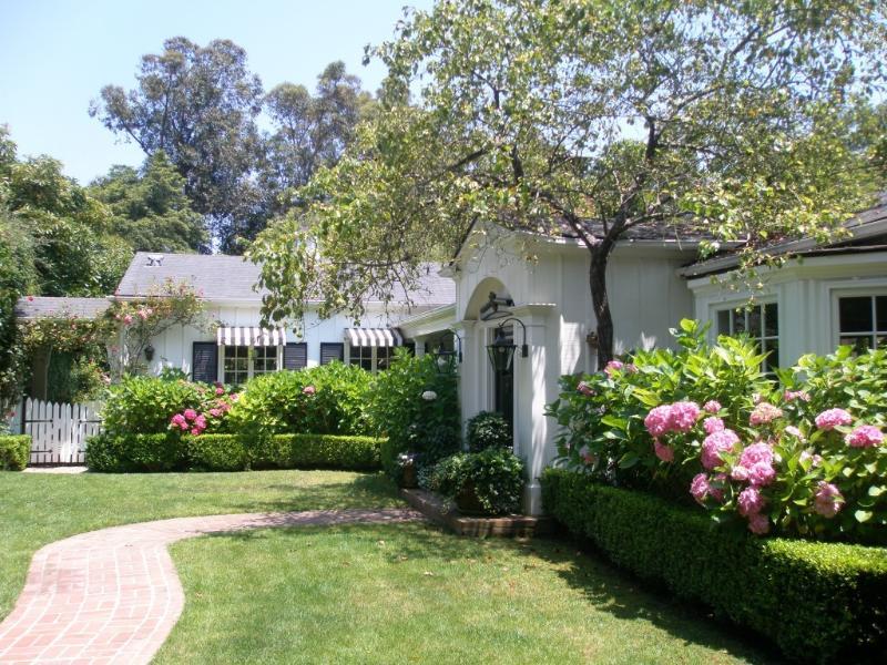 front exterior - Charming Montecito Country Home - Montecito - rentals