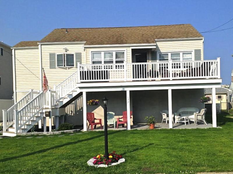 Cozy, Comfy, Bright & Sunny Beach Home  - COZY, AIRY, COMFORTABLE BEACH COTTAGE - Brigantine - rentals