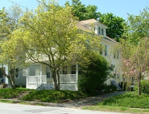 Sunny 6 BR Beach House with Lots of Windows - Sunny 1910 Beach House, Private Beach, Near Casino - New London - rentals