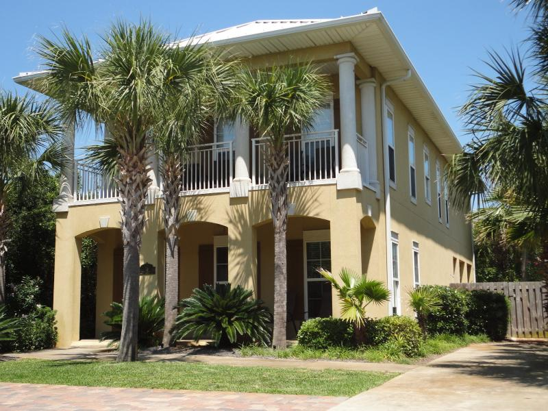The Retreat!!  Located in the community of Frangista Beach in Miramar Beach! - Fall Dates!!!...Private Pool..25 Yards to Gulf!! - Miramar Beach - rentals