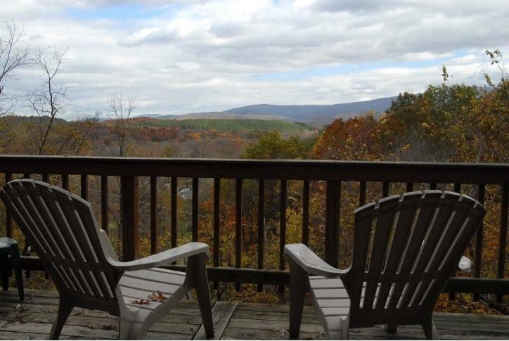 Shenandoah Valley Escape w/Hot Tub*Midweek Special - Image 1 - Rileyville - rentals