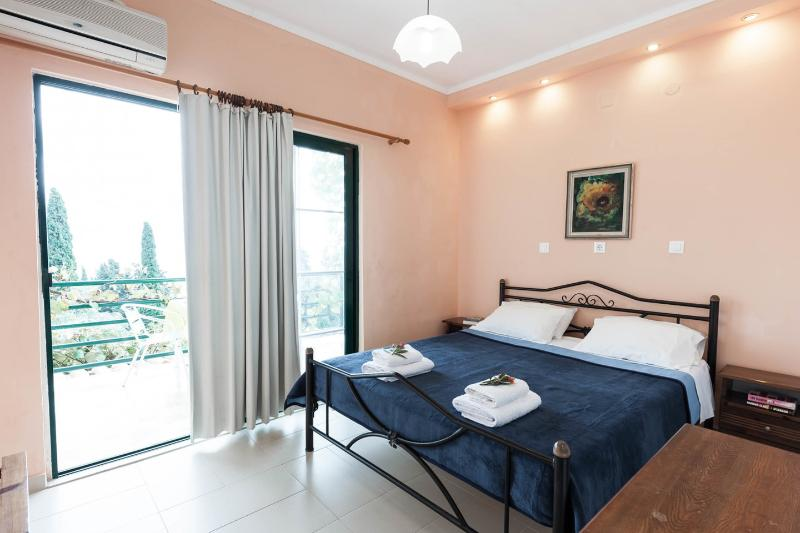 The Master Bedroom - Andromaches Holiday Apartment Sea view apartmen 3P - Corfu Town - rentals