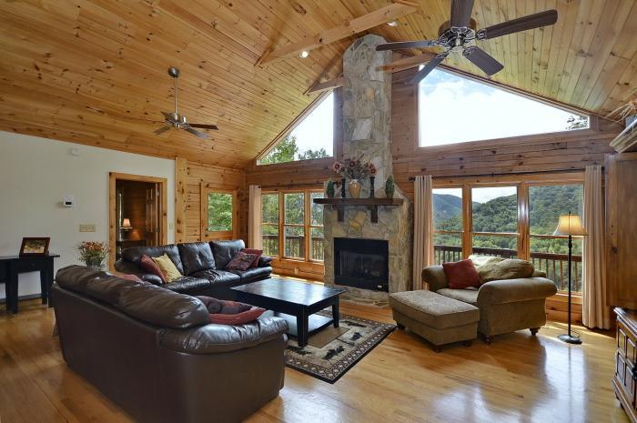 Great Room with view - Luxury Mtn Home 5 & 3 Game Room Hot Tub Great View - Waynesville - rentals