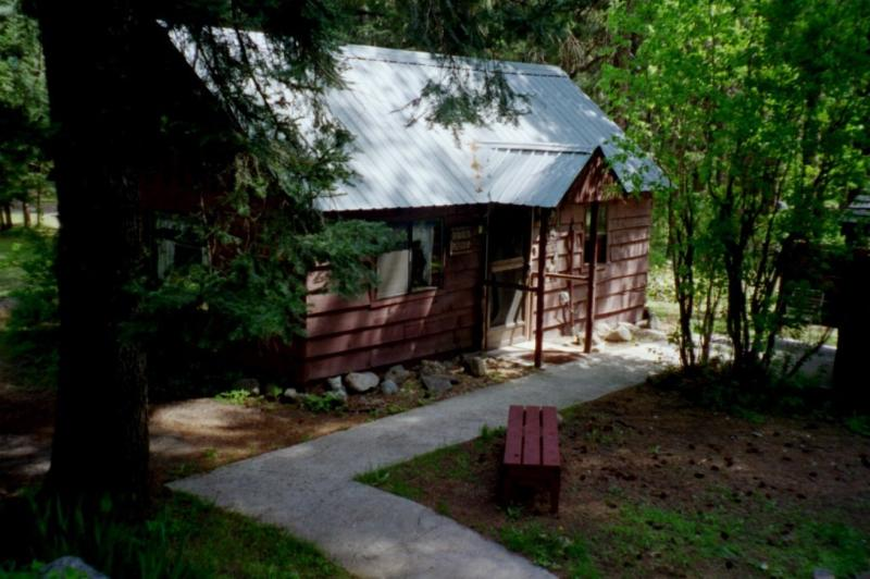 Bunk Haus outside entry - Bunk Haus (vacation rental cabin house) - Leavenworth - rentals