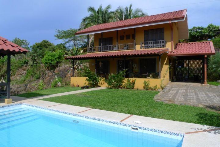 Front with pool and gazebo - Lovely recently built ocean breeze home - Esterillos Oeste - rentals