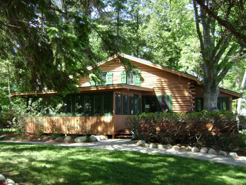 4 Bdrm Lakeside Home - Luxurious Lakeside Home - Lake George - rentals