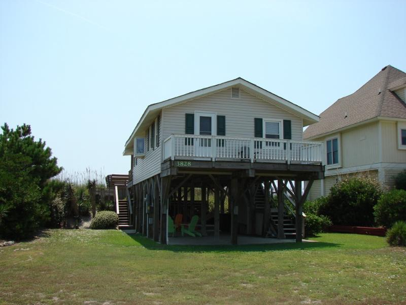 Cottage (view from Island Drive) - OCEAN FRONT 2 BR COTTAGE::  North Topsail NC - North Topsail Beach - rentals