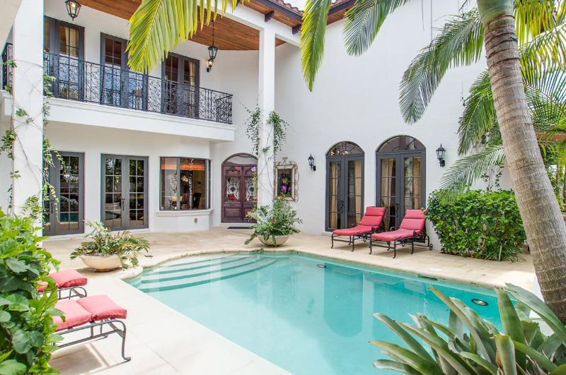 Villa Fortunata: secluded, luxurious & affordable! - Image 1 - West Palm Beach - rentals