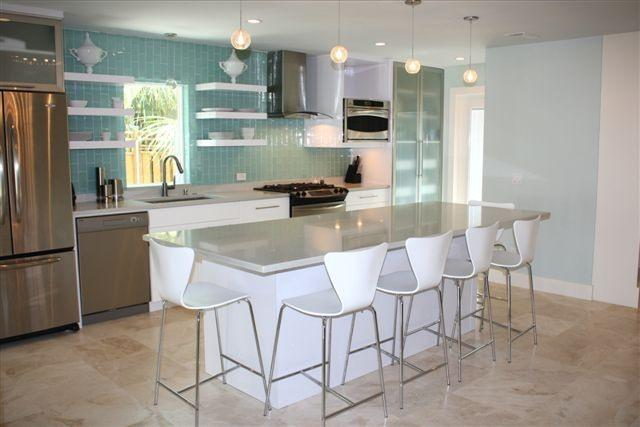 New Kitchen with Center Island Table - Luxury Beach House in Pass-A-Grille - Saint Pete Beach - rentals