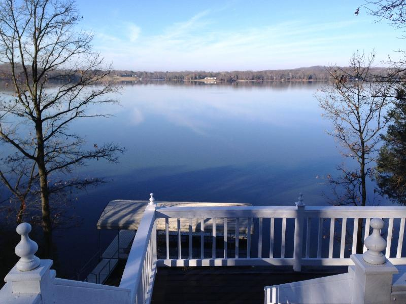Nashville Lake Cottage - Wonderful cabin on Old Hickory Lake Boat Dock  WOW - Hendersonville - rentals