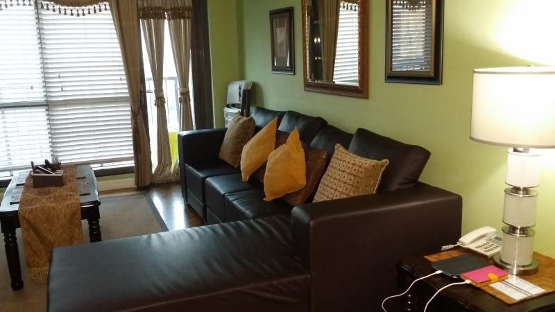 Living room - Rockwell Center-Joya Condo Makati Philippines - Makati - rentals