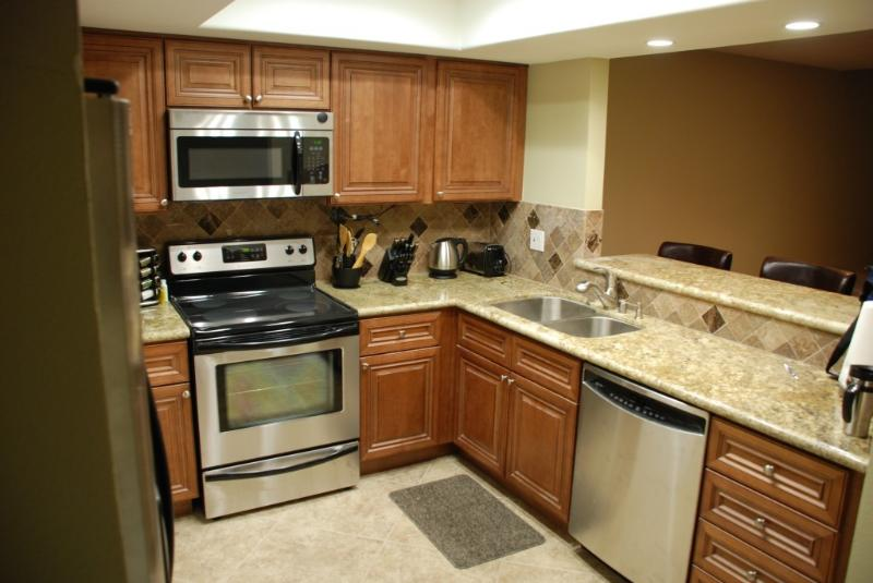 A Chef's choice kitchen w/high end cookware, spice - Huntington Beach Custom remodeled Townhome - Huntington Beach - rentals