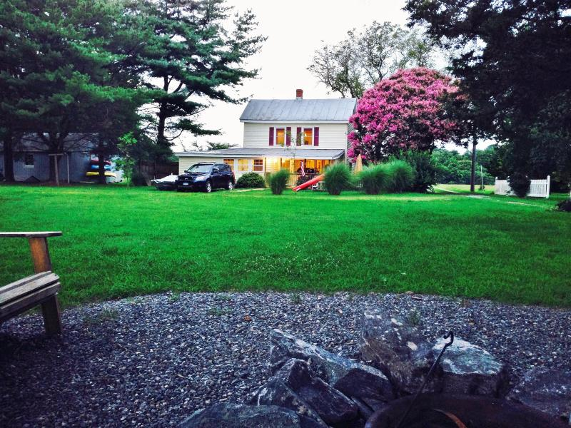 Picture of house facing waterfront - Waterfront Home Rental - Reedville - rentals