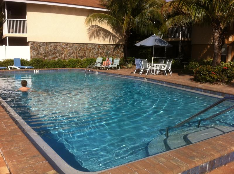 Pool Area - Bali Hai Condos 2 bed/2 bath  Ft Myers, Florida - Fort Myers - rentals