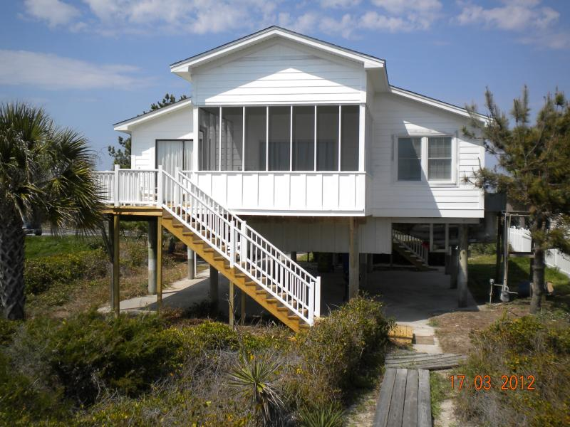 view of house from beach - Beach house on shore of Folly Beach, S Carolina - Folly Beach - rentals