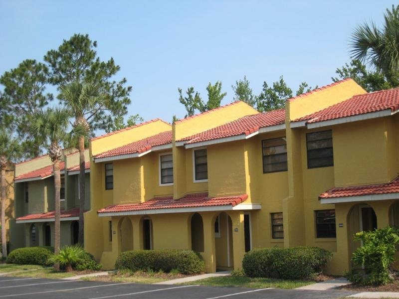 Lovely 2 bed townhouse 5 miles from Parks. - Luxury apartment for rent-weekly & monthly-Orlando - Kissimmee - rentals