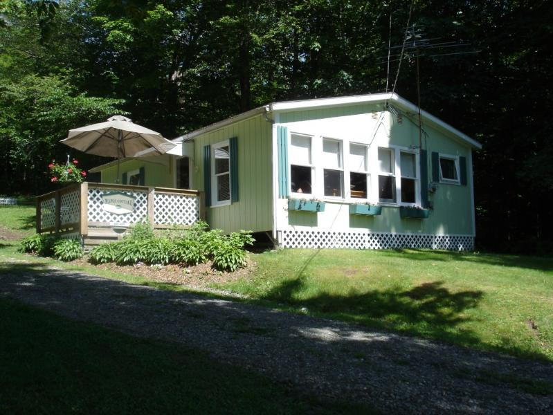 Welcome to the Maple Cottage - Maple Cottage at Lake Elmore - Elmore - rentals