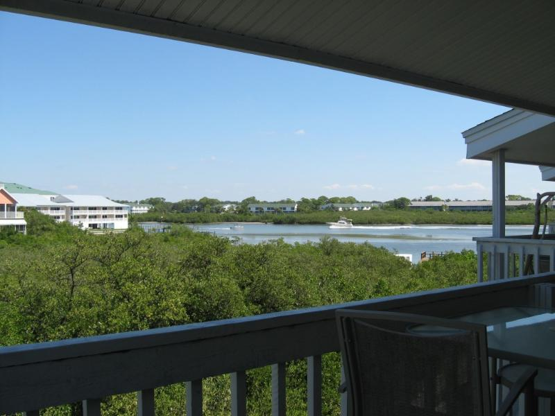 Spacious Balcony with Incredibly Peaceful Views - Beachy Peaceful - Indian Shores - rentals