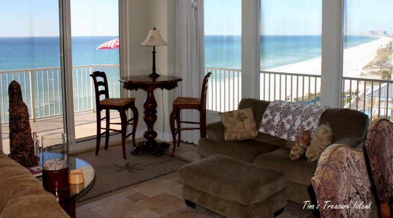 View of sitting area of great room - 3 bedroom 6th Floor Luxury Beach Condo-Treasure Is - Panama City - rentals
