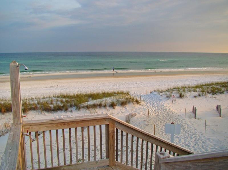 It\\\\\\\'s 20 steps from the condo door to the stairs - Destin Villa - Private Beach,  Updated, Internet - Destin - rentals
