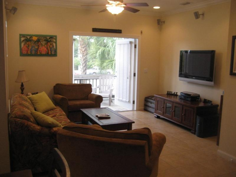 "Living Room with 42"" SONY LED, BOSE surround sound and screened deck - Luxury Key West Condo -2/2 1/2 FREE BIKES!!! - Key West - rentals"