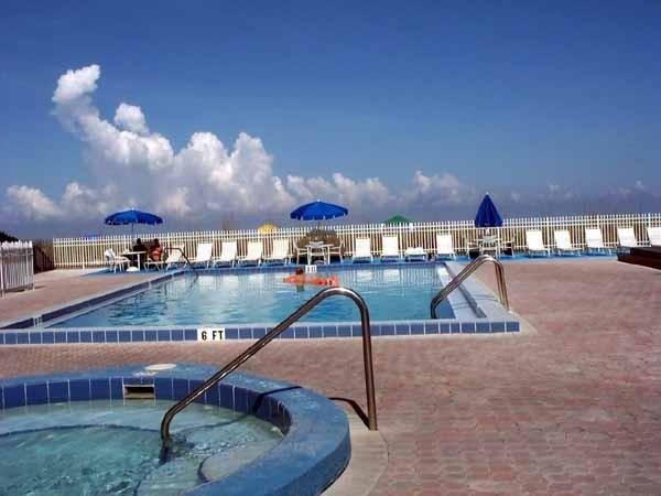 Pool / Hot Tub - HAS IT ALL !!!! Reef Club Condo - Indian Rocks Beach - rentals