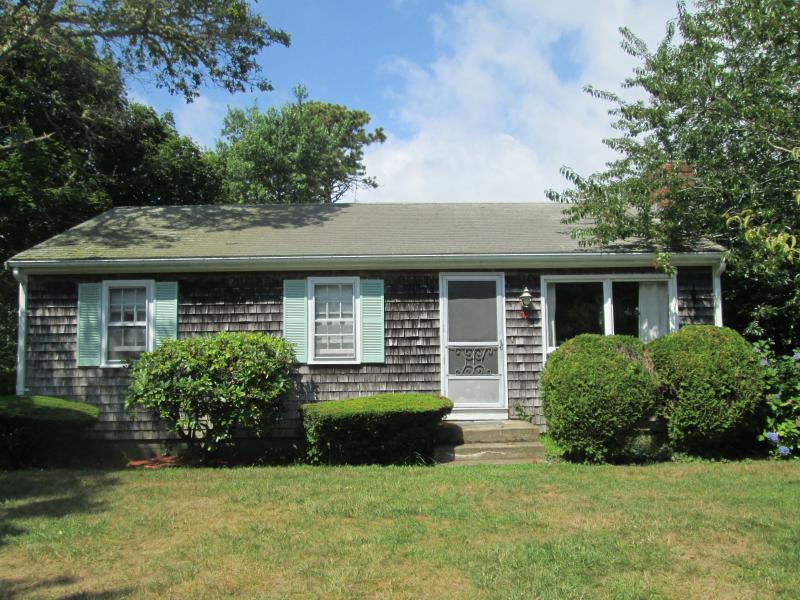 Adorable cottage on quiet street.  Walk to Sea Street Beach! - 33 FENWAY - WALK TO SEA STREET BEACH! - Dennis Port - rentals