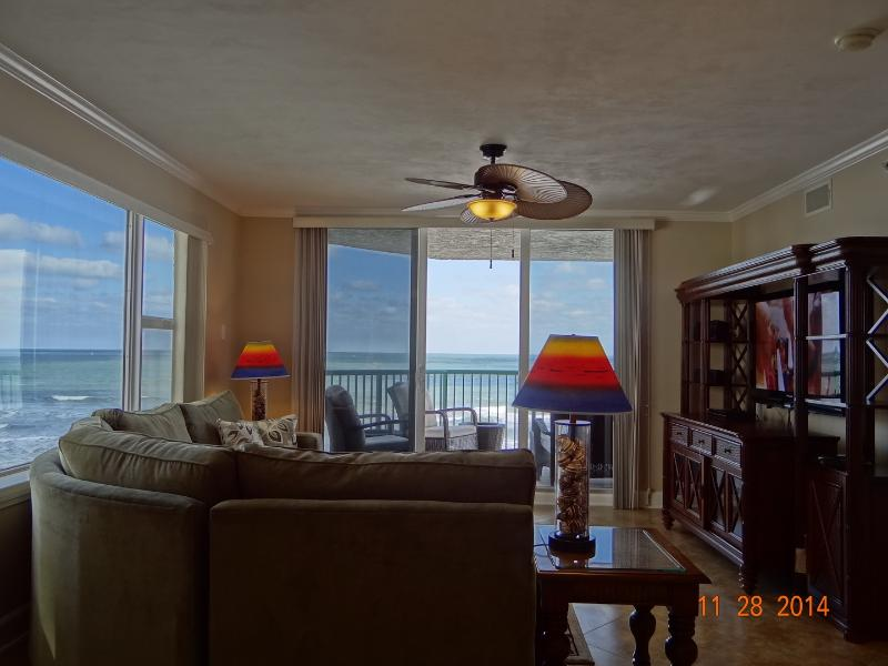 Oceanfront Living Room with Big Flat Screen TV - 4th Floor, 3 bed/3 bath Direct Oceanfront Condo - Daytona Beach - rentals