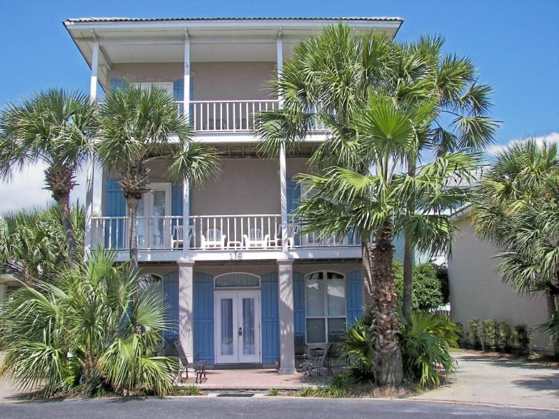 Ocean Dreams Big 5BR/3BA with view of the pool! - Ocean Dreams*Walk to the Beach*5BR/3BA*Pool View! - Destin - rentals