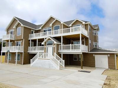 The Majestic: beach house - Image 1 - Virginia Beach - rentals