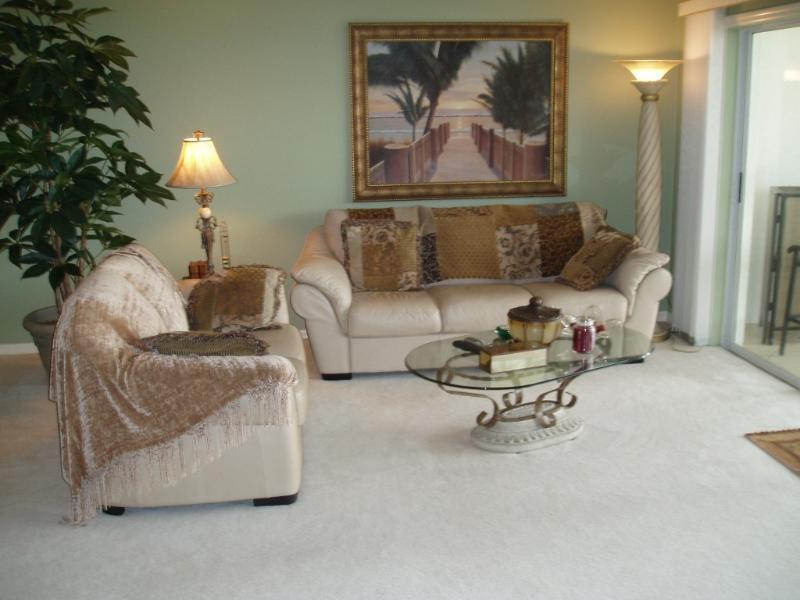 Desirable North Naples Location - Image 1 - Naples - rentals